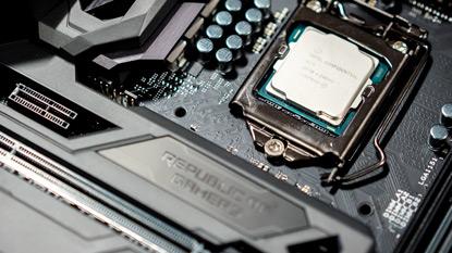 A Core i7-7700 és 7700K tulajok magas hőmérsékletre panaszkodnak cover