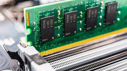 A DDR5 a DDR4 duplájára lesz képes