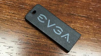 EVGA: DVD helyett pendrive
